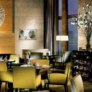 Four Seasons Hong Kong - Photo #2
