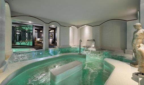 Hotel fouquet 39 s barriere paris paris france classic for Hotel paris jacuzzi