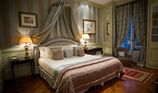 Villa Gallici-classictravel.com-virtuoso-Room