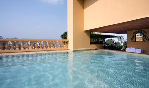 Hotel albergo beyrouth lebanon classic travel for Club piscine west island